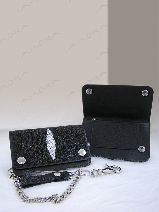 Implora Black Stingray Skateboard Chain Wallet